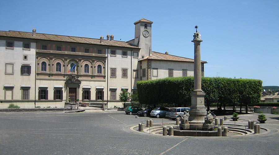 palazzo altieri oriolo romano