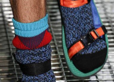 Le calze con le ciabatte?!