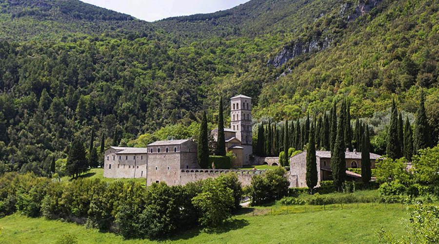 abbazia di san pietro in valle ferentillo tr