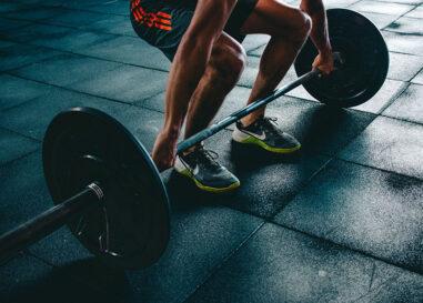 Stacco da terra o deadlift: il re degli esercizi fitness