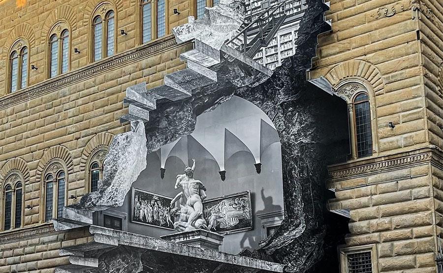 """JR e """"La Ferita"""" di Palazzo Strozzi a Firenze"""