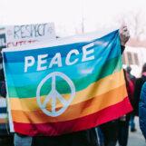 Movimento pacifista tra crisi ed evoluzione in un libro