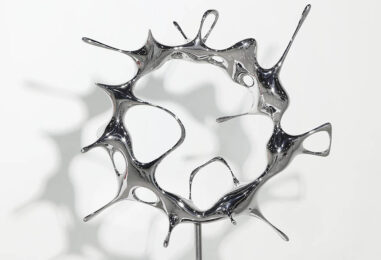 Lo scultore e designer Kim SeungHwan espone a Milano