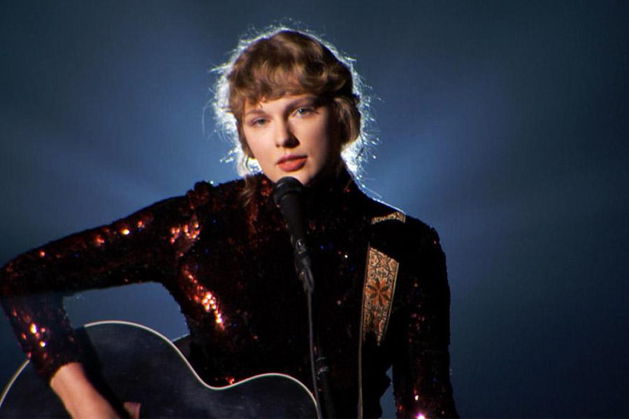 """Taylor Swift: la biondina """"zitta e canta"""" è acqua passata"""