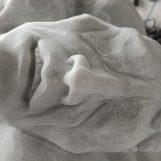 La scultura di Elena Mutinelli a Chiaramonte Gulfi