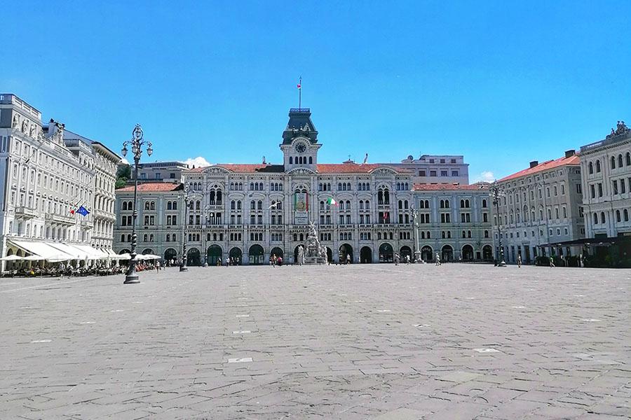 Trieste, l'equilibrio perfetto delle contraddizioni